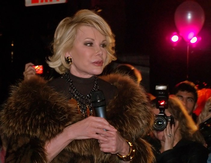 joan-rivers-brown-fur-collar