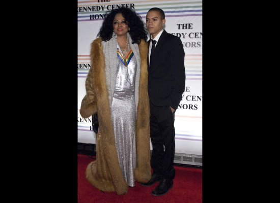 kennedy-center-awards-diana-ross-full-length-fox-trimmed-coat