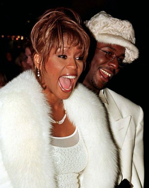 whitney-white-fox-trim-coat-w-bobby-brown