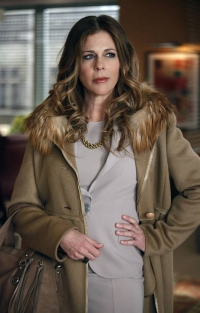 rita-wilson-cashmere-coat-fox-fur-trim