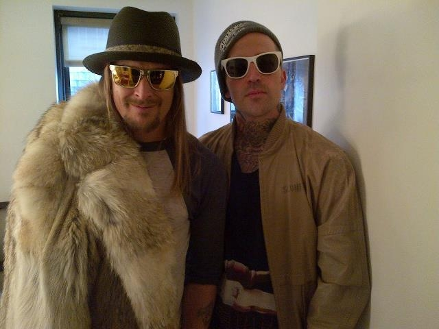 kid-rock-in-a-coyote-fur-jacket-from-wolverine-furs
